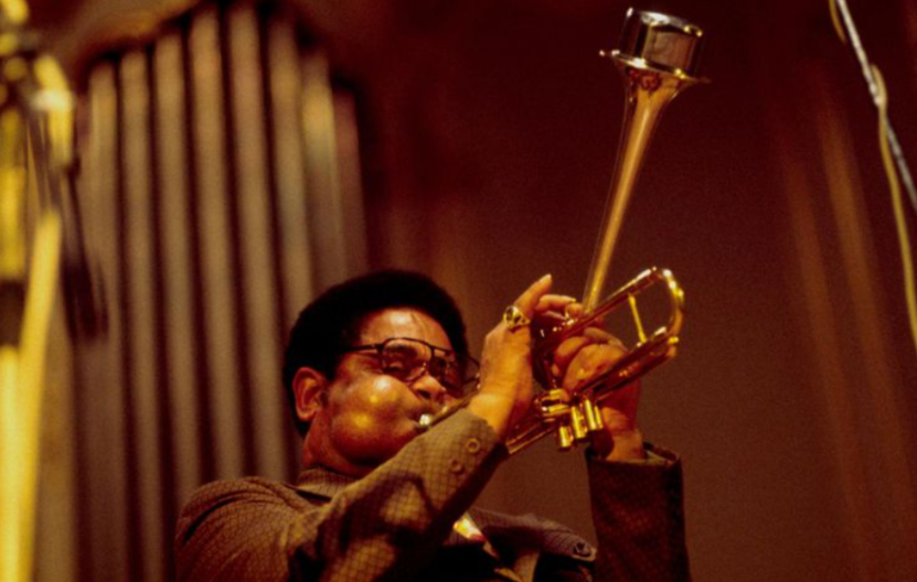 History and Types of Trumpets : trumpet playing